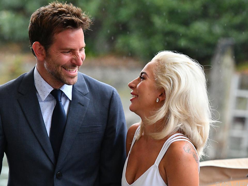 Cooper und Gaga scheinen sich prächtig zu verstehen