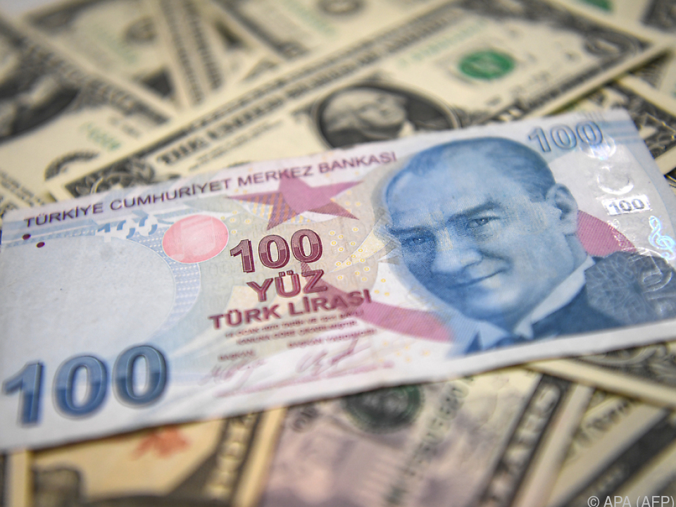 Die Lira verliert an Wert: Türkei spricht von Wirtschaftskrieg