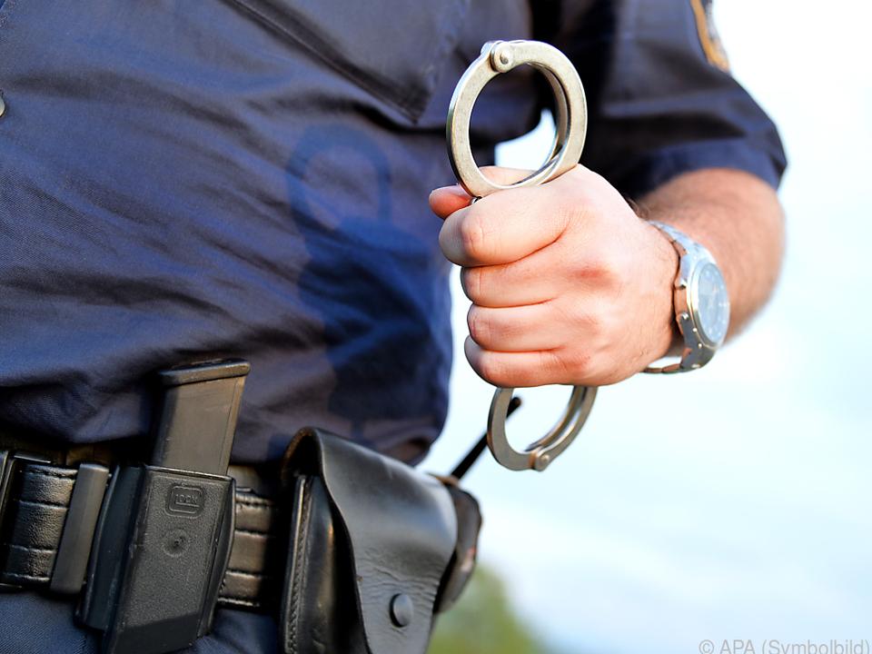 Die Polizei nahm den Geiselnehmer fest