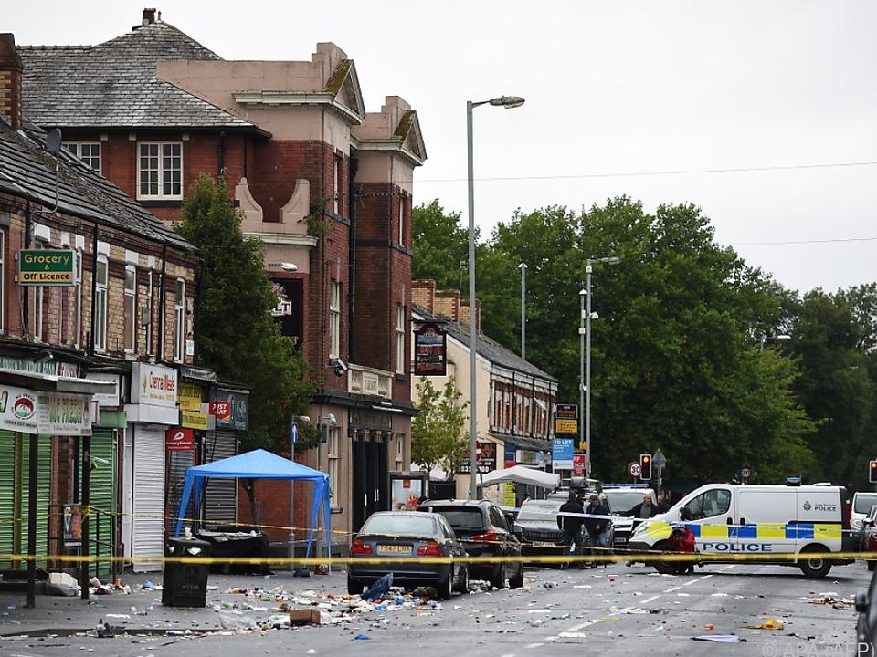 Die Polizei sucht noch nach Hintergründen der Schießerei