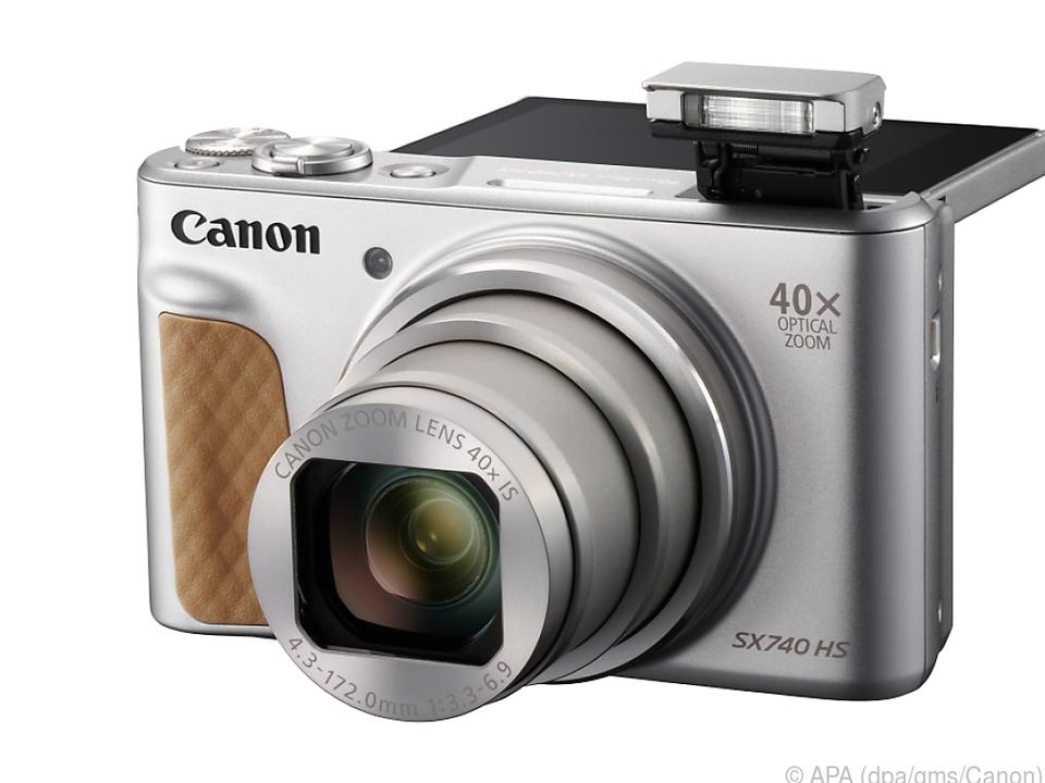 Die Powershot SX740 HS hat 40-fachen Zoom und ein Klappdisplay für Selfies