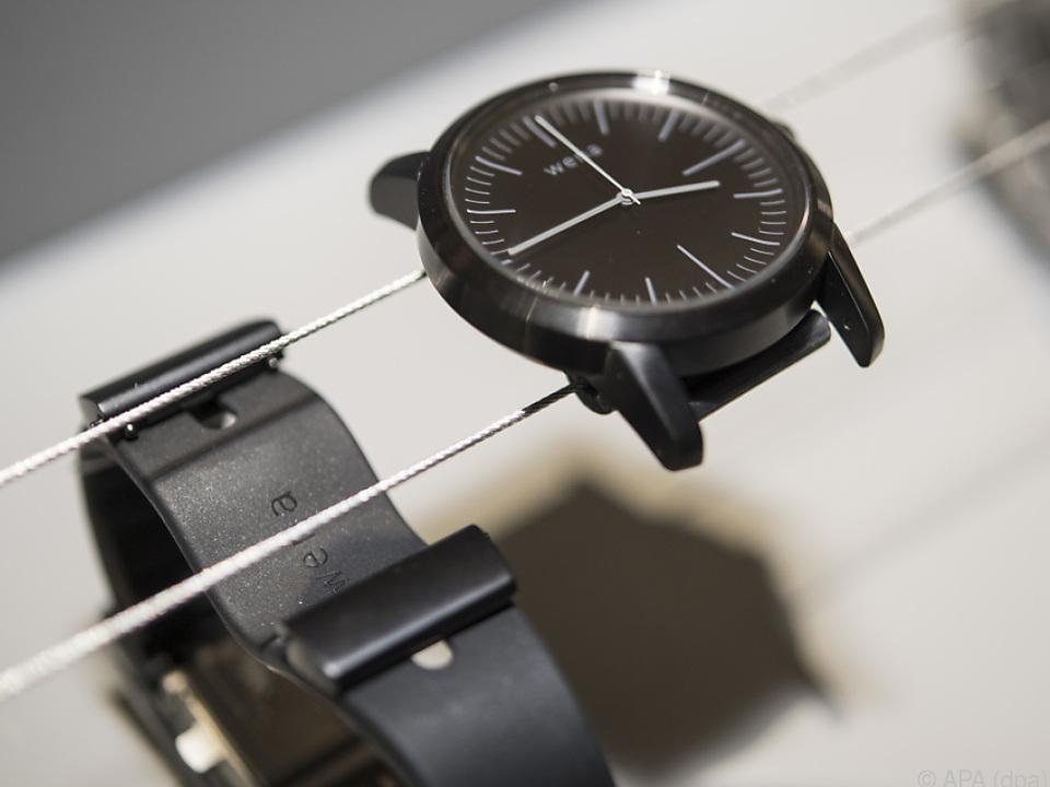 Sonys smartes Wena-Armband gibt es separat oder zusammen mit einer Uhr