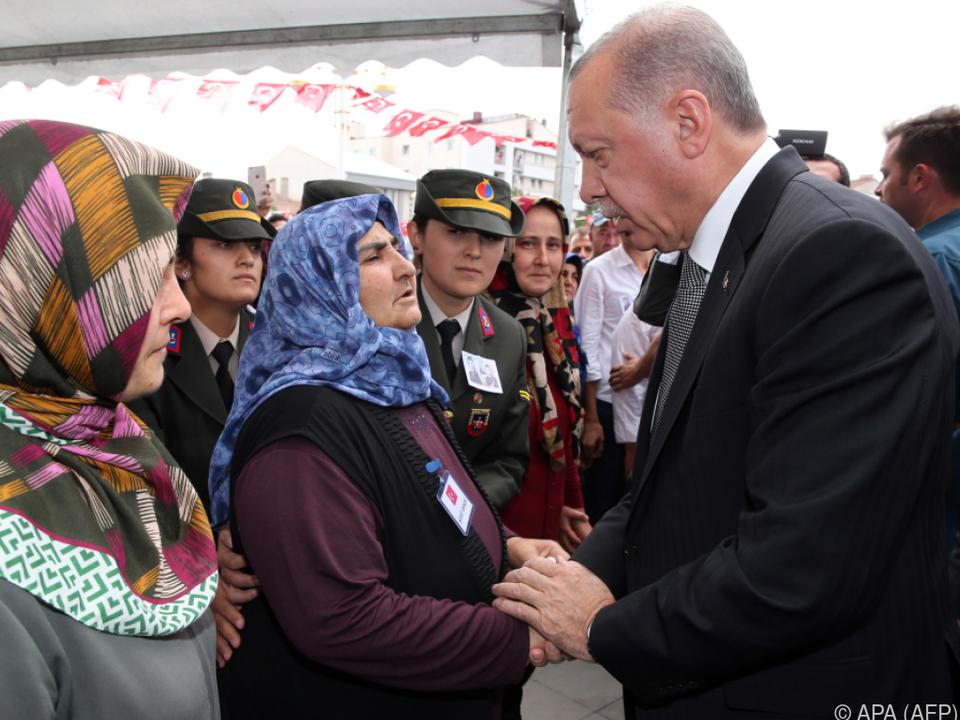Erdogan trauerte mit den Verwandten