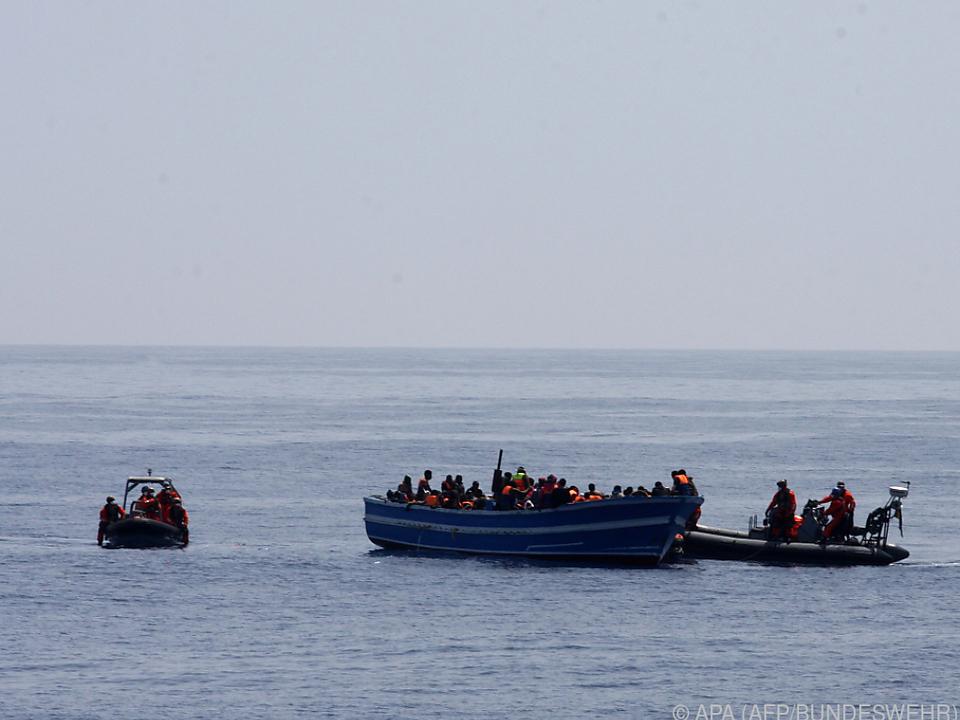 Flüchtlinge kommen auf immer untauglicheren Booten