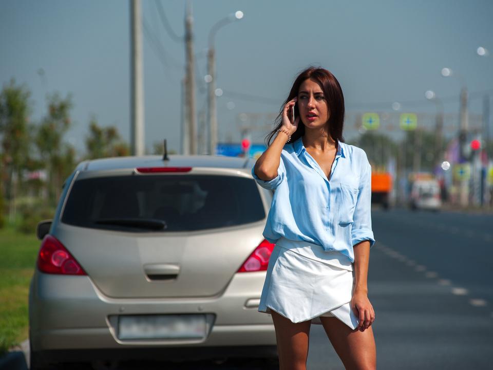 Frau Problem Auto Fotolia_181667246_Subscription_Monthly_M