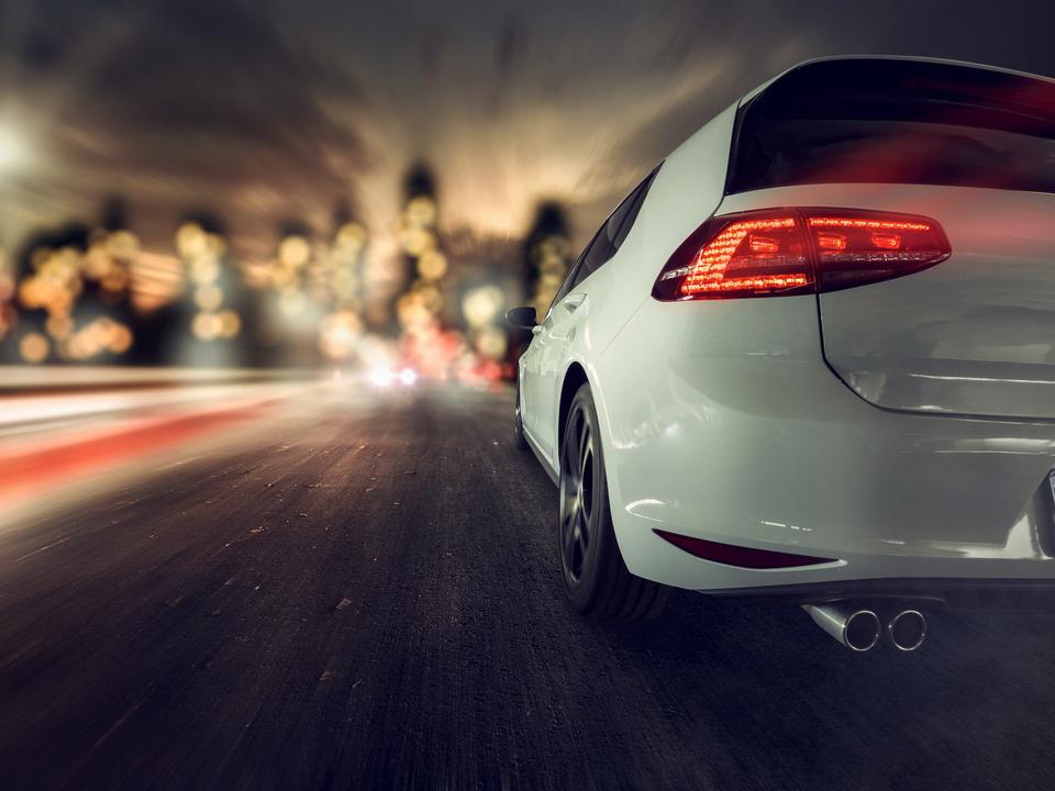 auto geschwindigkeit pkw verkehr golf vw auspuff speed sym