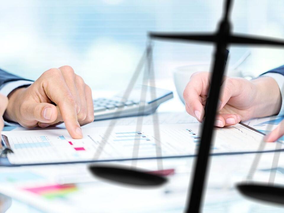 vertrag arbeit job verhandlung sym büro gerechtigkeit
