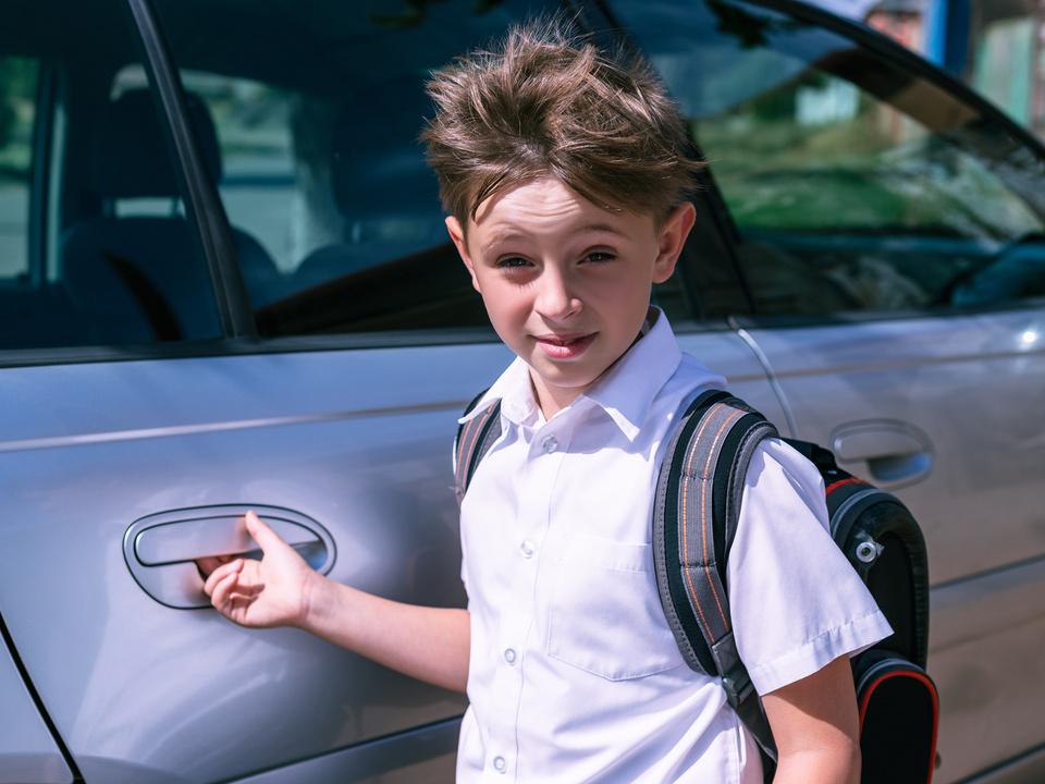 schüler schulweg auto schule