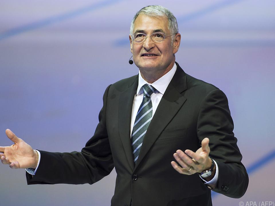 Heinz-Jakob Neußer will gegen die Kündigung vorgehen