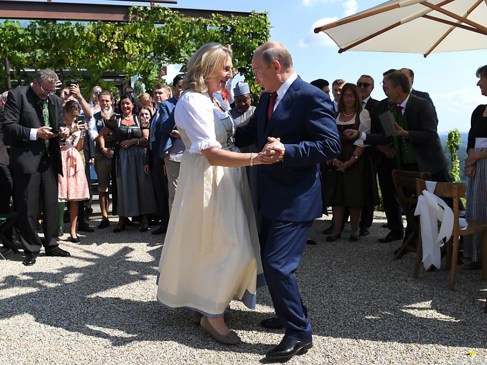 Kneissl-Hochzeit schlägt politisch noch immer Wellen