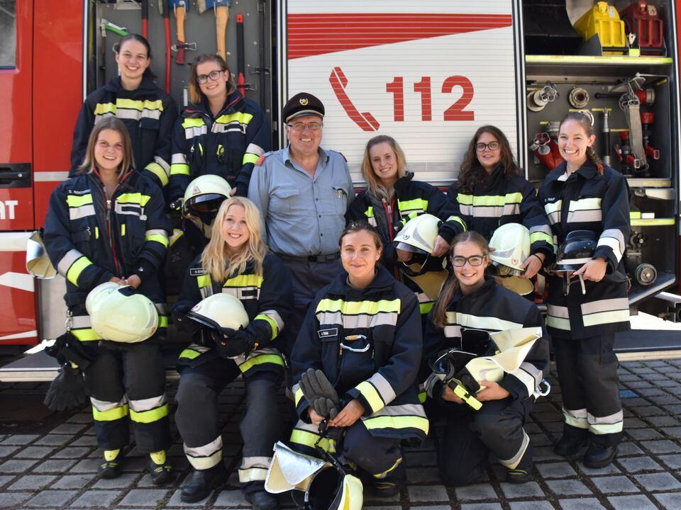 LFV_2915 Frauen bei der Feuerwehr