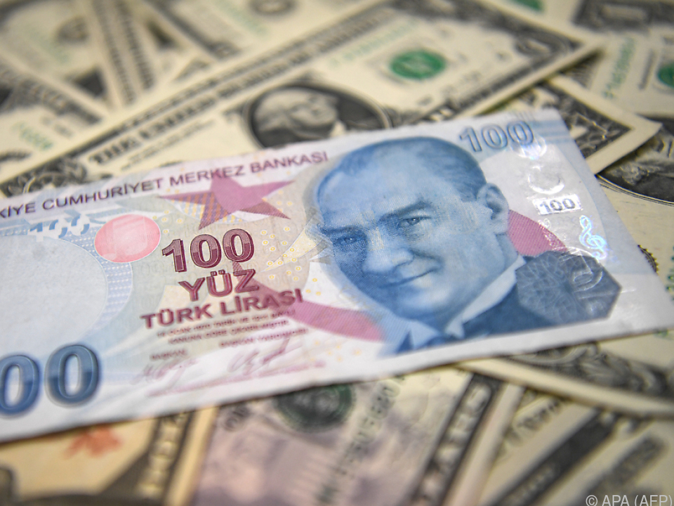 Lira soll gegenüber ausländischen Währungen attraktiver werden