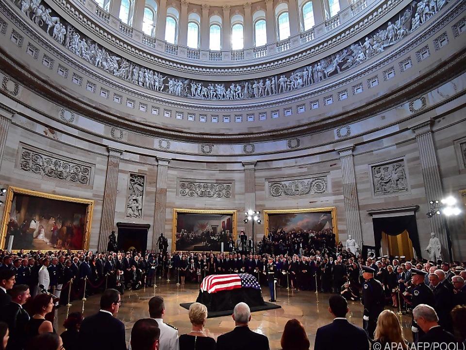 McCain wurde im Kapitol aufgebahrt
