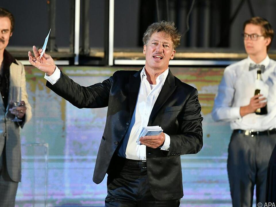 Moretti wird während seiner Krankheit von Philipp Hochmair vertreten