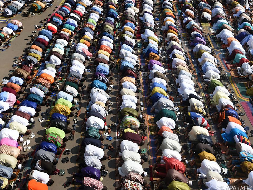 Moslem begehen höchstes Fest des Islam