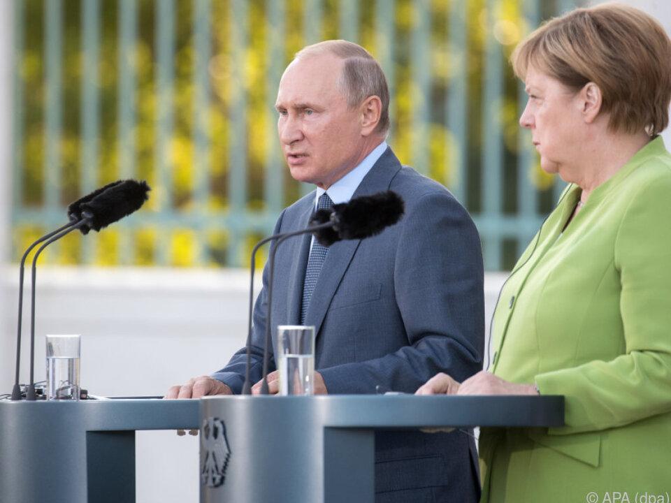 Putin erstmals seit vier Jahren zu Besuch bei Merkel