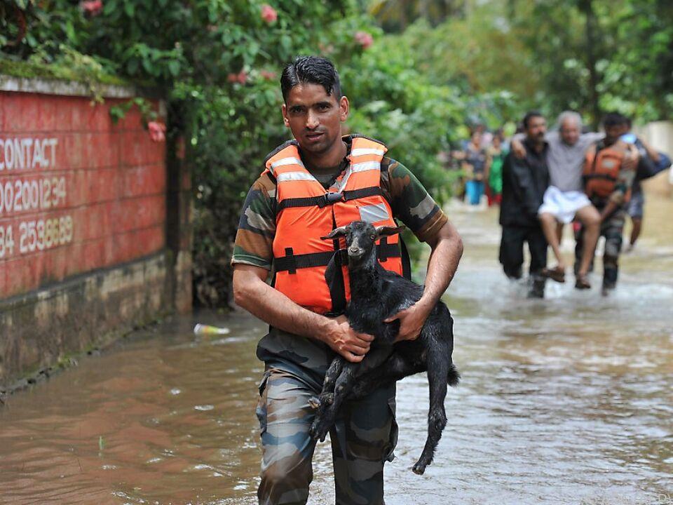 Rettungskräfte in Kerala im Dauereinsatz