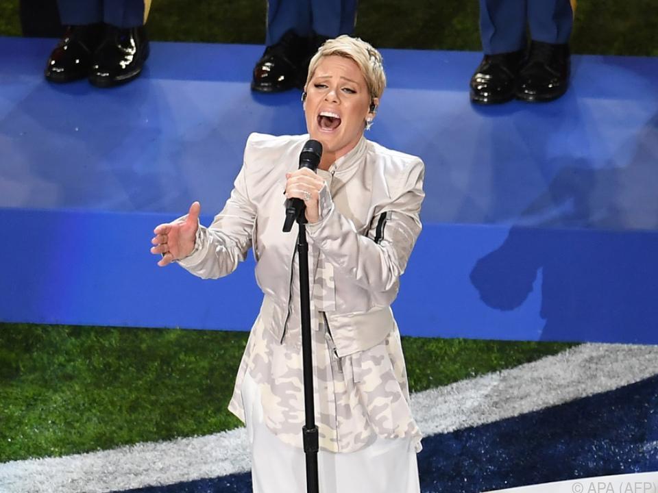 Sängerin Pink beim Super Bowl im Februar 2018
