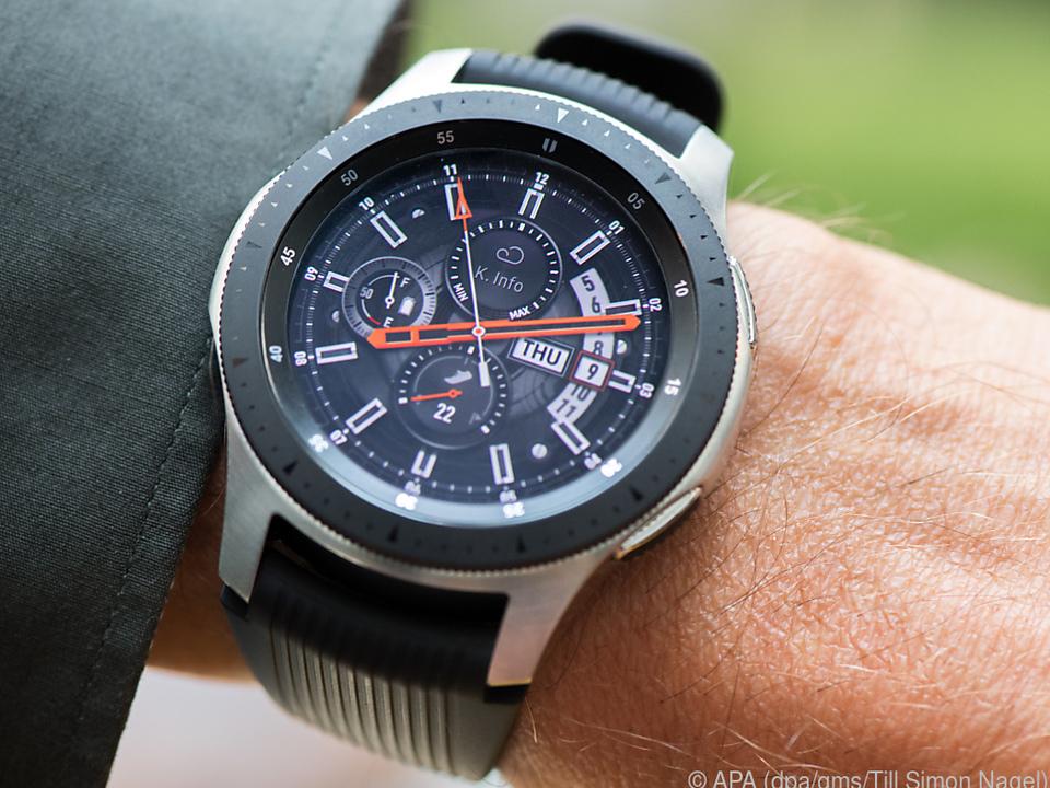 Die Galaxy Watch von Samsung gibt es auch mit 46 Millimetern Durchmesser