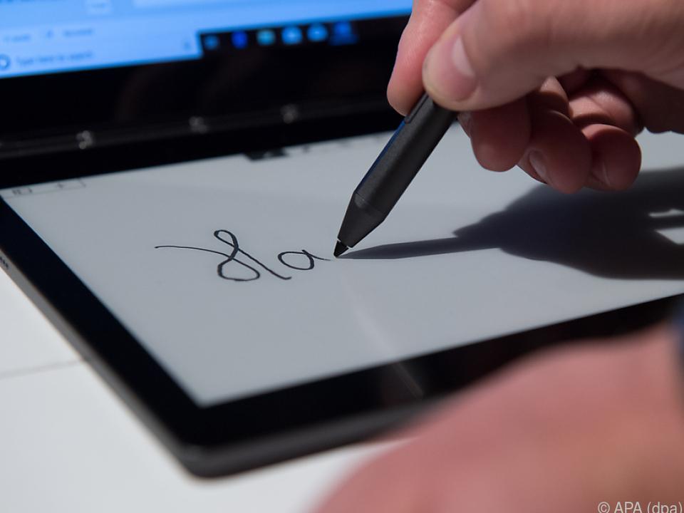Das E-Ink-Display dient als Eingabefläche
