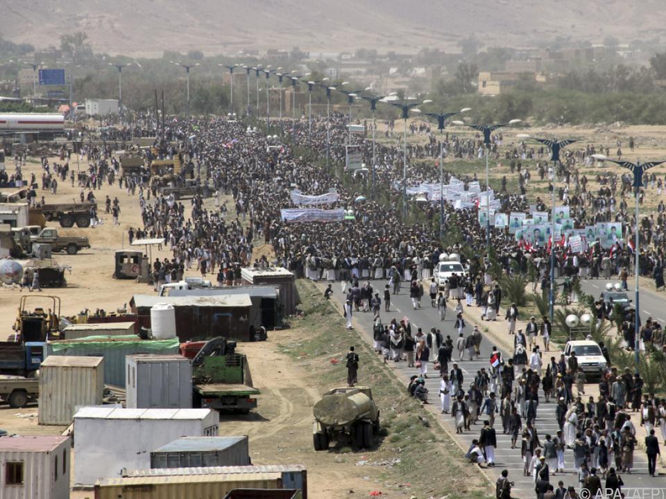 Tausende nahmen an dem Marsch in Saada teil