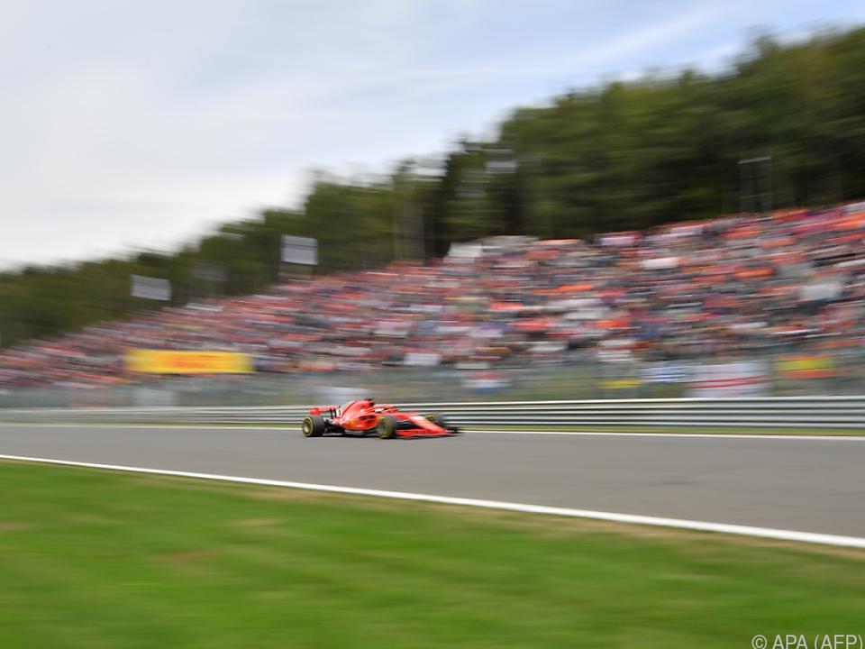 Vettel unterwegs zum Sieg