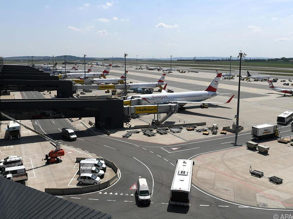 Viele Flugzeuge mussten am Boden bleiben