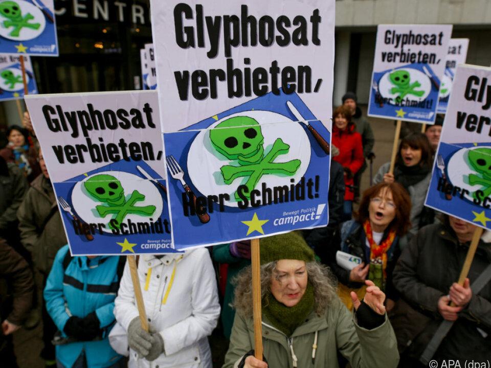 Viele Umweltschutz- und zivile Organisationen verlangen Glyphosat-Aus