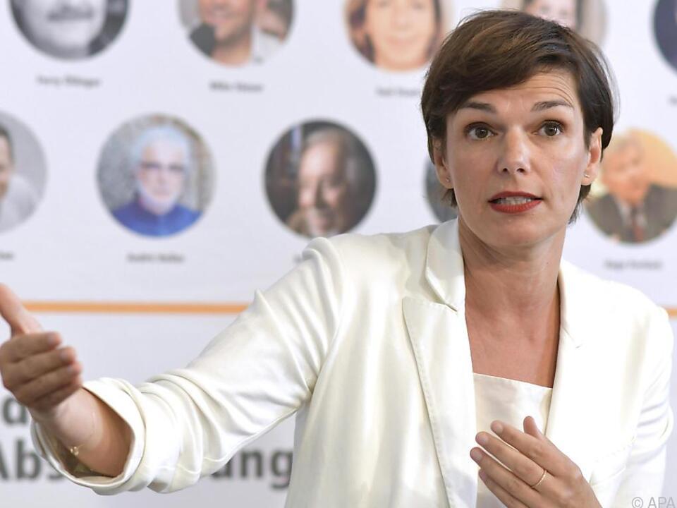 Auch SPÖ-Abgeordnete Rendi-Wagner ist für die Lehre für Asylwerber