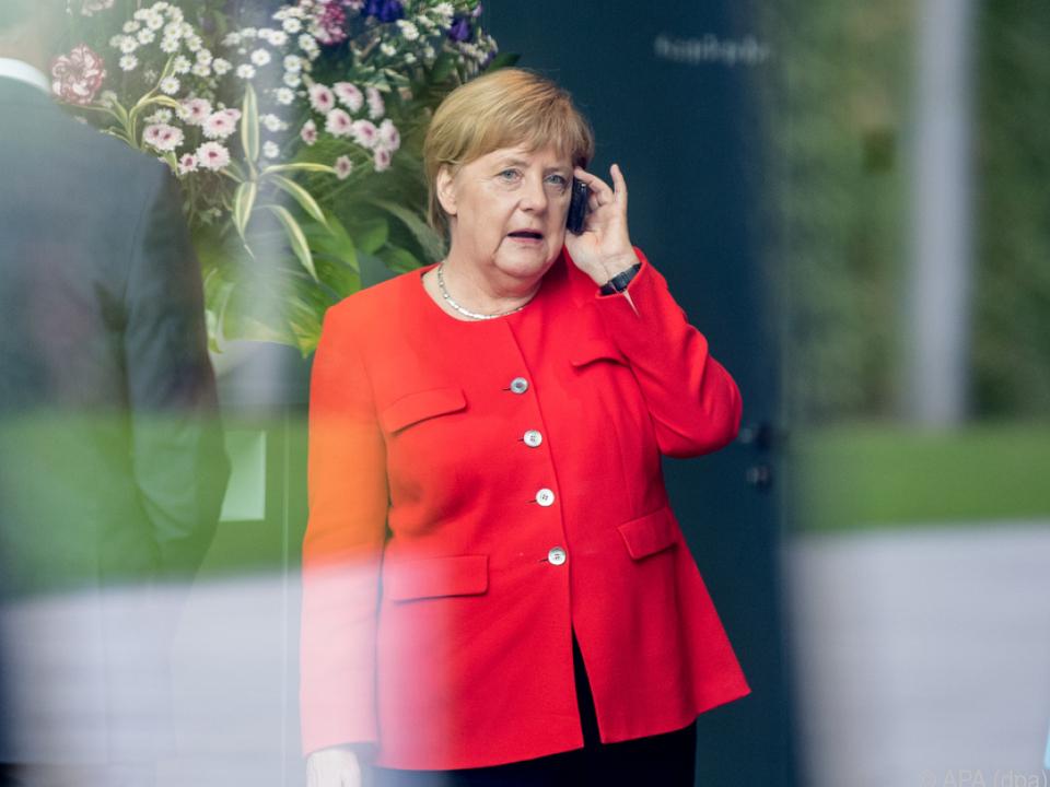 Bundeskanzlerin Merkel für Neuverhandlung über Zukunft Maaßens