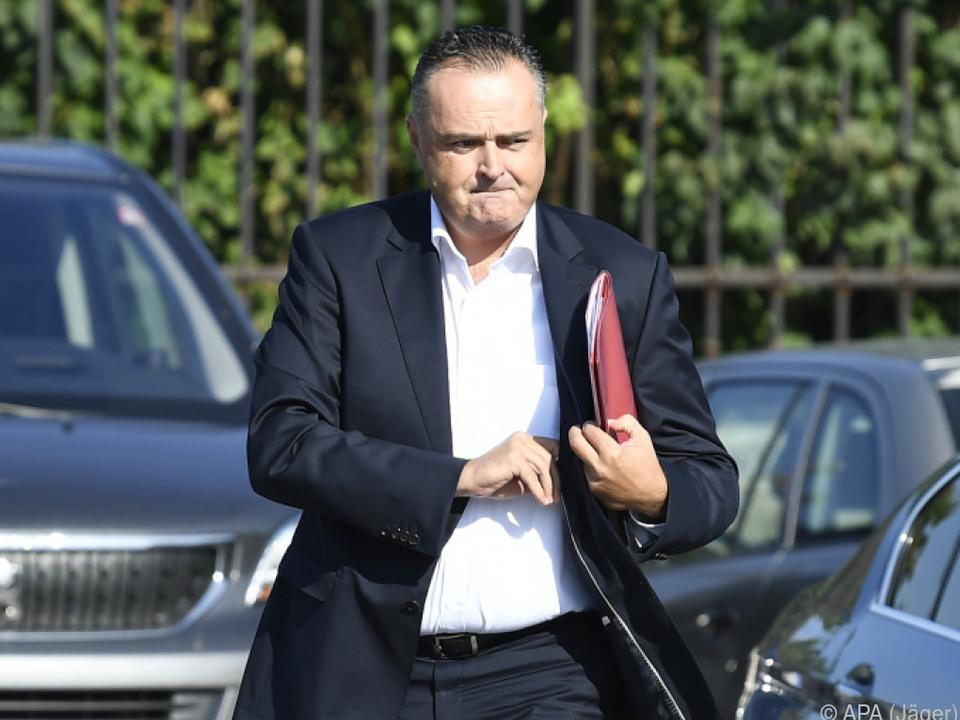 Burgenlands SPÖ-Chef Doskozil auf dem Weg zur Sitzung