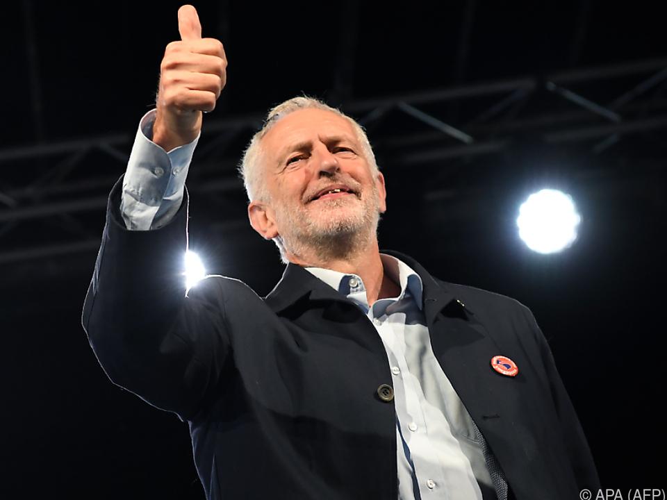 Corbyn geht in die Offensive