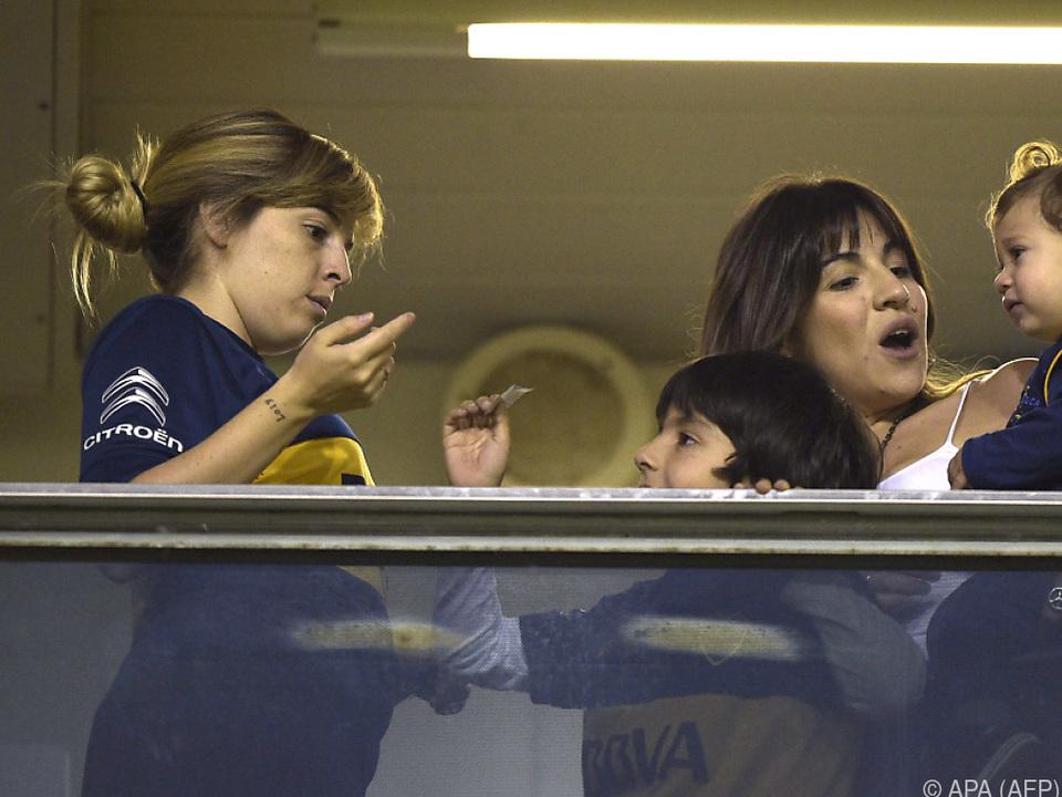 Dalma (li.) ist Maradonas Tochter aus der Ehe mit Claudia Villafane
