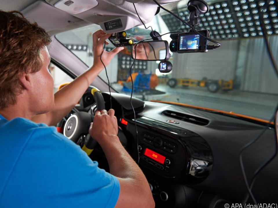 Dashcams sollen helfen, Beweise bei einem Unfall zu sammeln