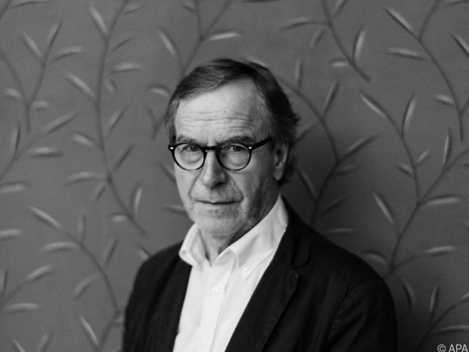 Der 1945 in Aarau geborene Autor ist ausgebildeter Sekundarlehrer