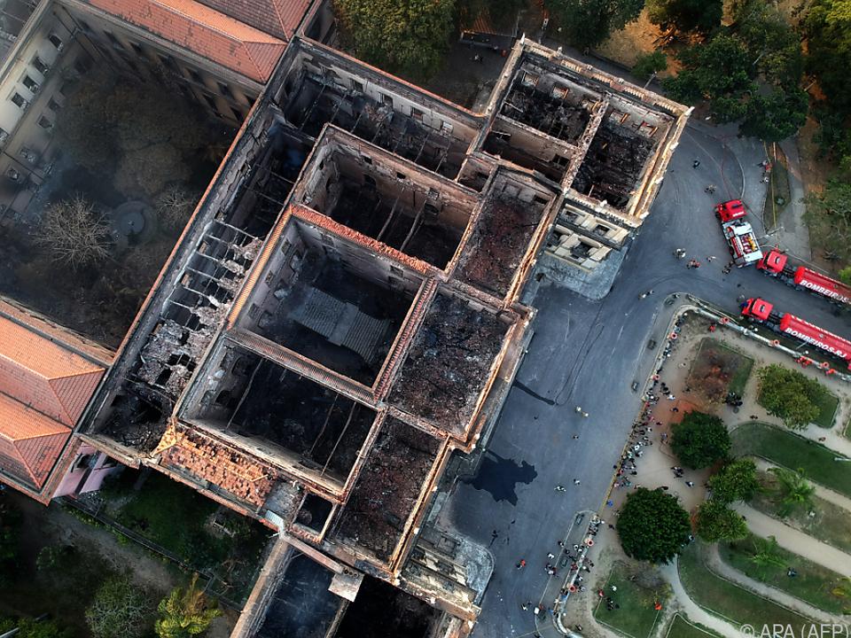 Der Brand war am Sonntag aus noch ungeklärter Ursache ausgebrochen