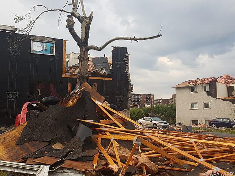 Der Tornado zog eine Schneise der Verwüstung