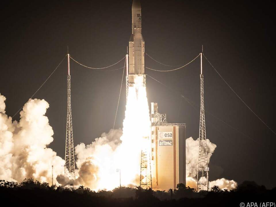 Die Rakete soll zwei Telekommunikationssatelliten ins All bringen