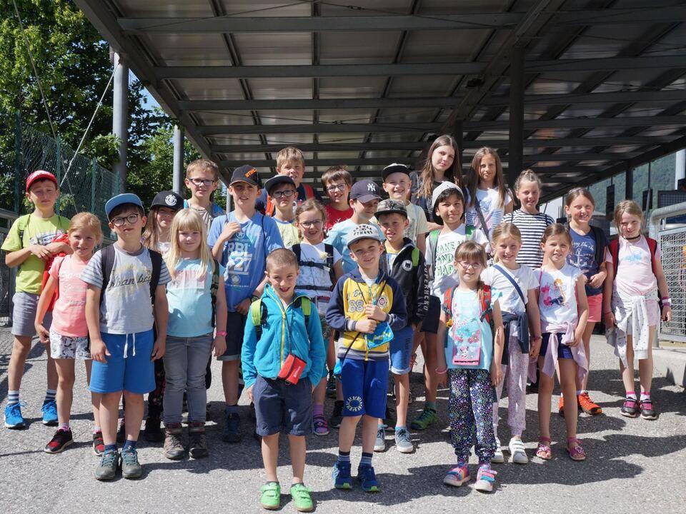 Die Schueler der GS Afers_gli studenti della scuola elemenare di Eores