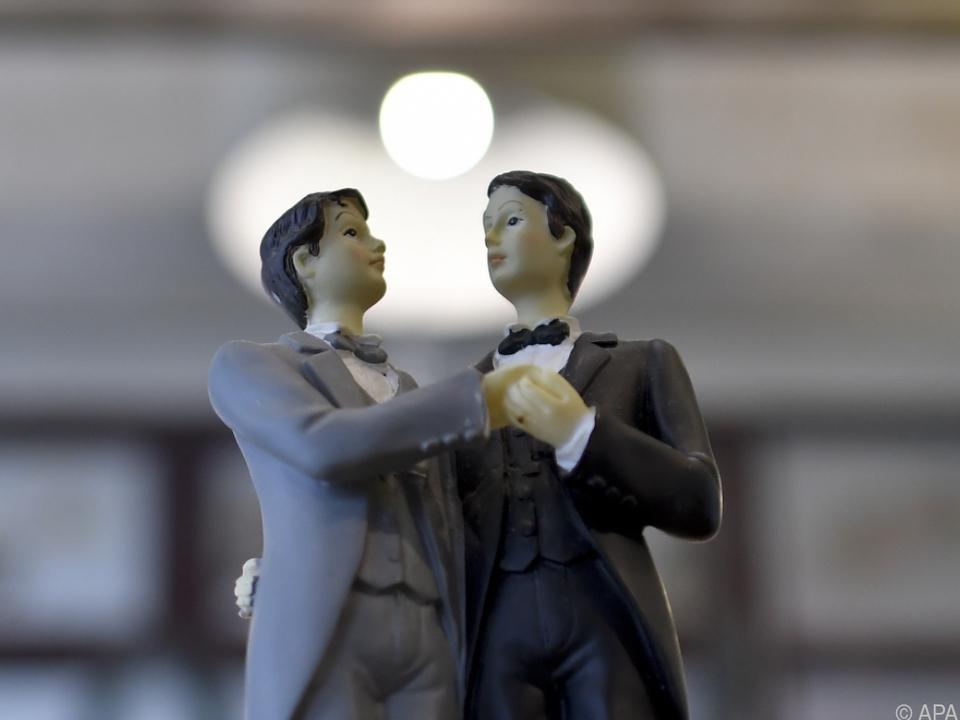 Ehe für alle - aber mit Differenzierungen?