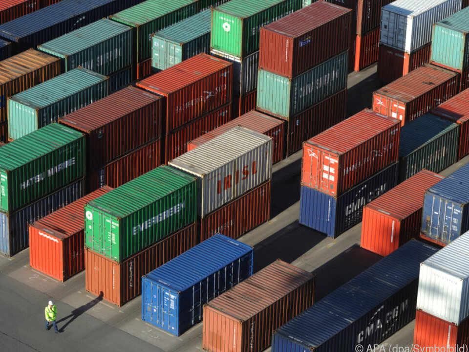 Europa exportiert weiter mehr Waren in die USA als es importiert