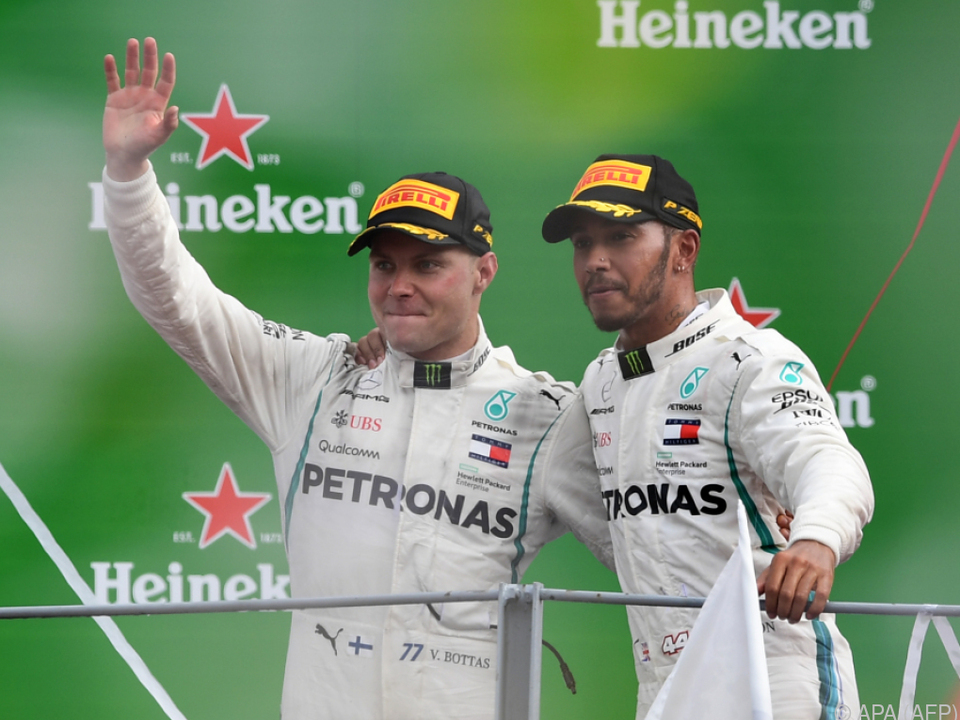 Hamilton und Bottas gemeinsam auf dem Podest