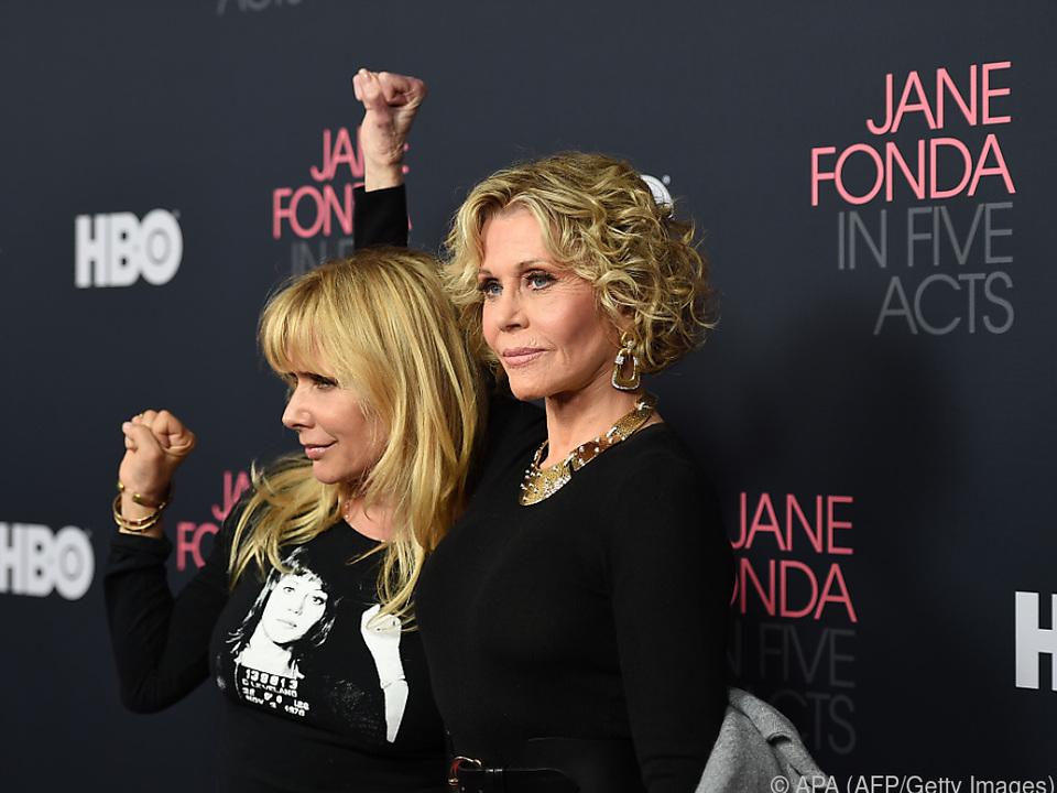 Jane Fonda (r.) setzt auf Frauenpower