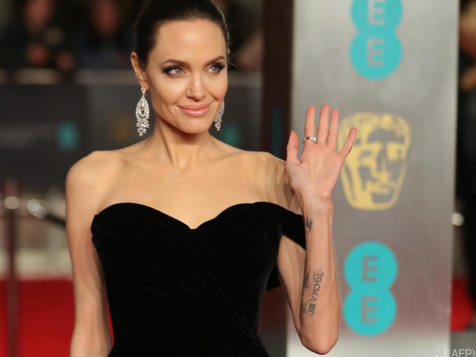 Jolie wird \