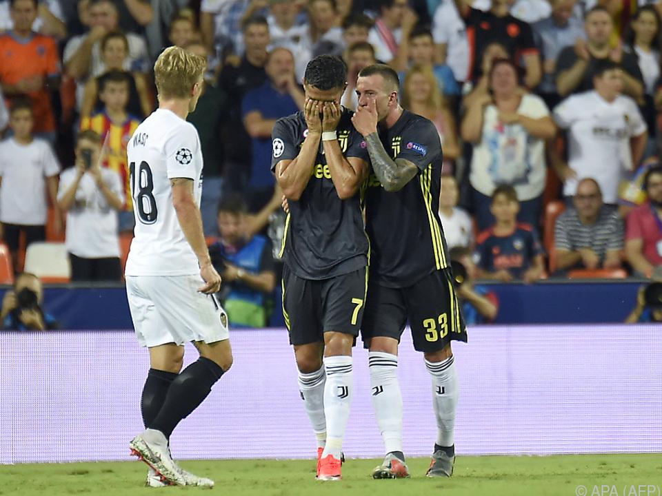 Juve-Stürmer Cristiano Ronaldo sah nach einer Tätlichkeit die Rote Karte