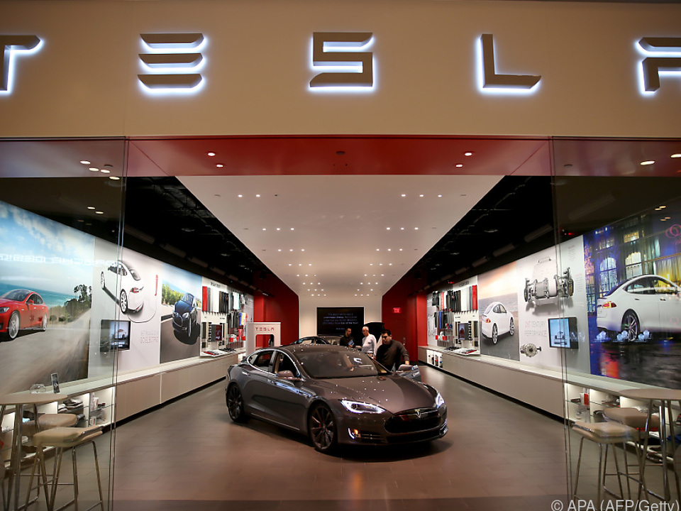 Keine guten Schlagzeilen für Tesla