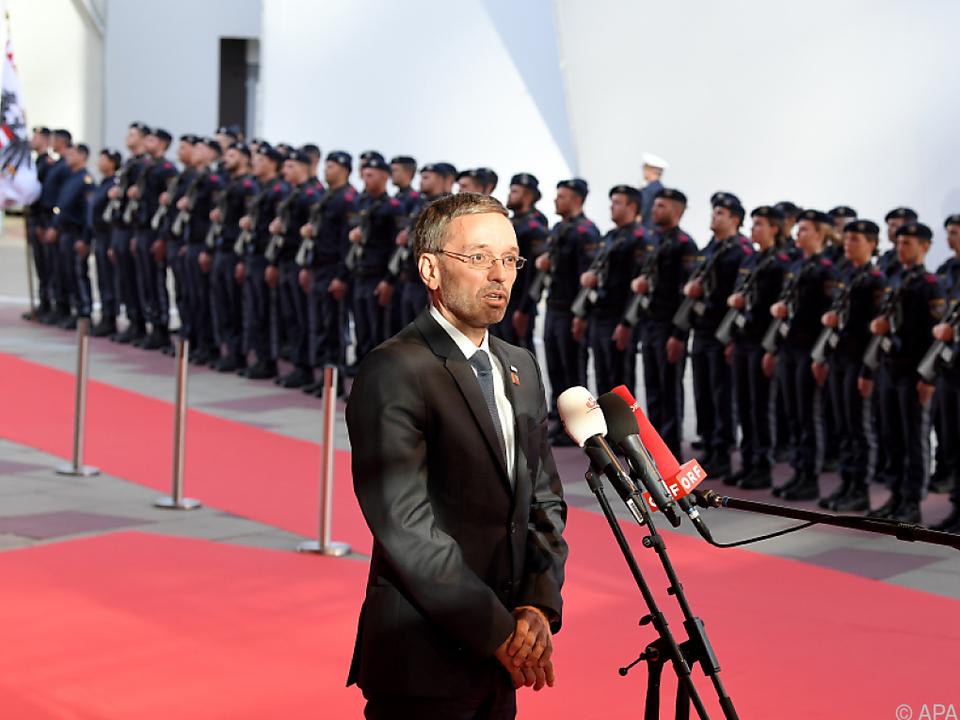 Kickl: Österreich wird Grenzkontrollen beibehalten