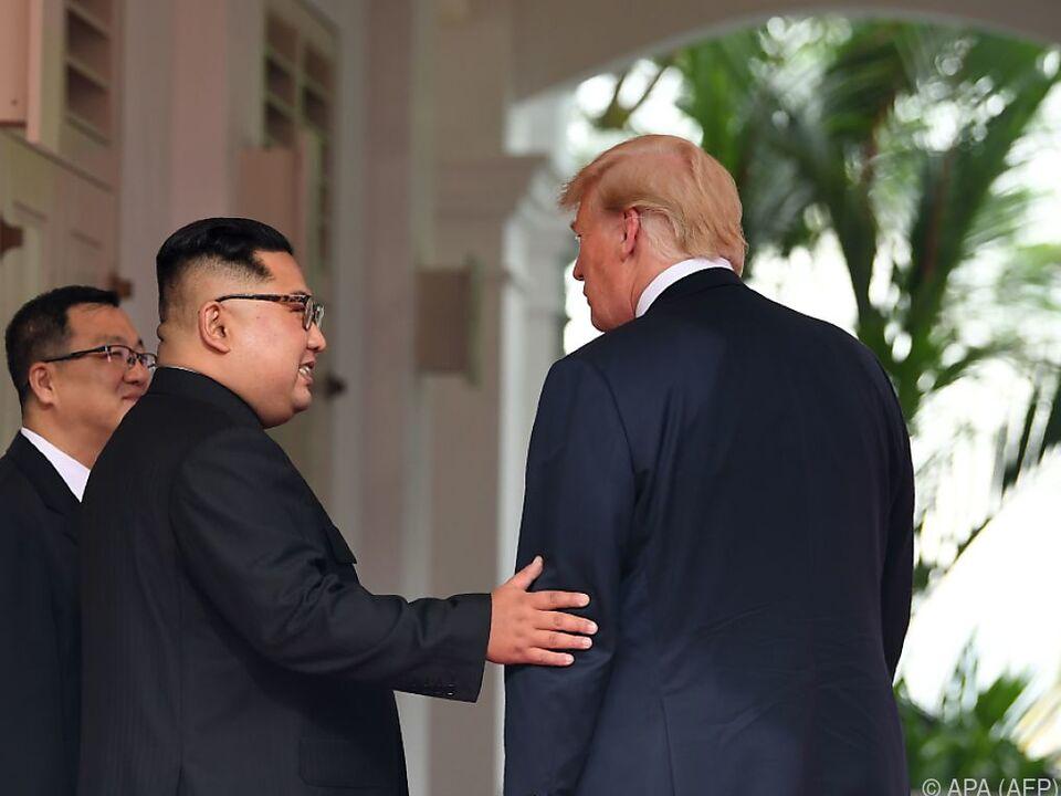 Kim Jong-Un und Donald Trump bei ihrem Treffen in Singapur