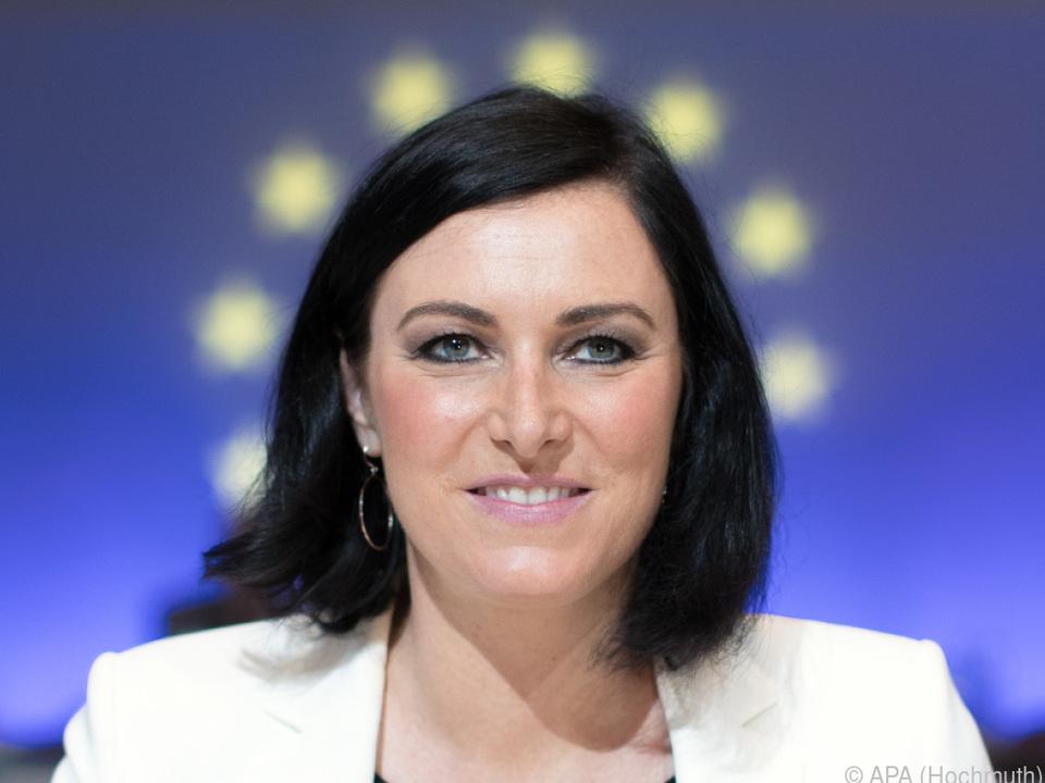Ministerin Köstinger will die Qualität von Lebensmitteln verbessern