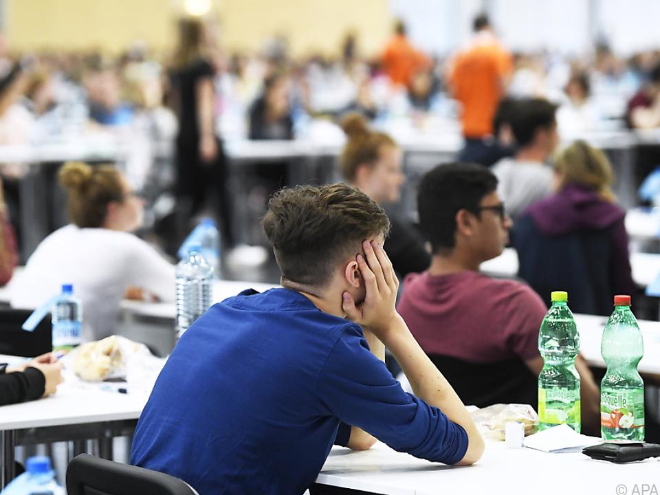 Österreicher beginnen im Durchschnitt mit 26,7 Jahren ein Studium